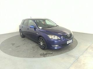 2004 Mazda Axela 5D Hatch Photo