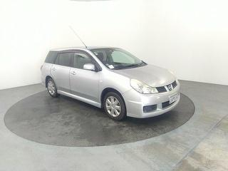 2007 Nissan Wingroad 5D Station Wagon Photo
