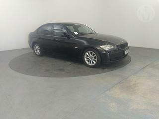 2006 BMW 320i 4D Sedan Photo