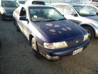 1996 Nissan Lucino GG Sedan Photo