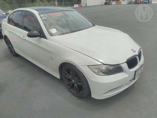 2007 BMW 323i Sedan Photo