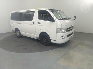 2009 Toyota Hiace 5D Van Photo