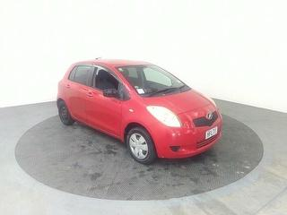 2005 Toyota Vitz 5D Hatch Photo