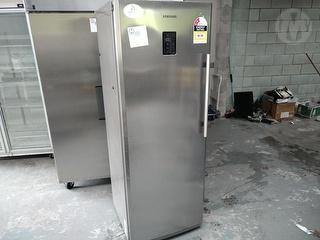 Samsung SFP288ELS (MBLSLA) Catering Vertical Freezer *** Manukau *** Photo