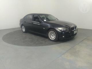 2009 BMW 320i 4D Sedan Photo