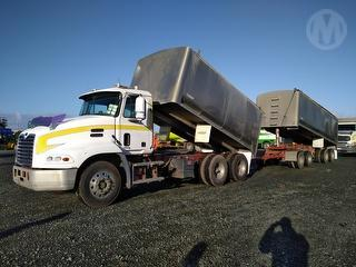 2005 Mack CX688 RST Vision Tipper *** Athy plc *** Selling Registerd *** Personalized plates not inc Photo