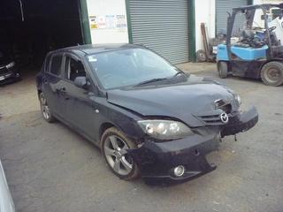 2003 Mazda Axela Station Wagon Photo