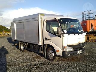 2011 Hino Dutro 2 Axle Box Body Box Body *** Athy Plc *** GVM 4,940kg Photo
