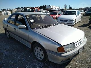 1994 Nissan Primera 1.8 Sedan Photo