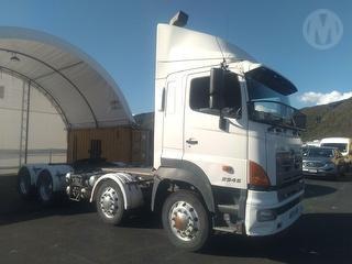 2012 Hino 700 FY1EUKG-WPN Tractor Unit GCM 55,000kg Photo