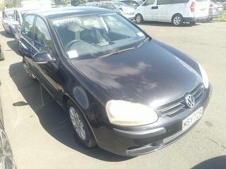 2004 Volkswagen Golf Hatch Photo