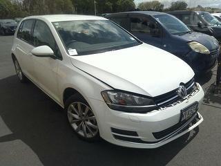 2014 Volkswagen Golf TSI Hatch Photo