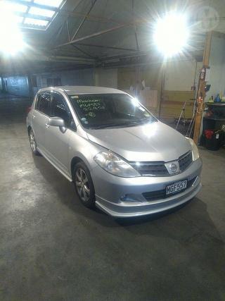 2009 Nissan Tiida Hatch Photo