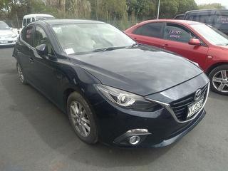 2014 Mazda Axela Sedan Photo