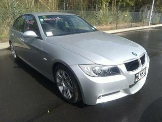 2008 BMW 320i Sedan Photo